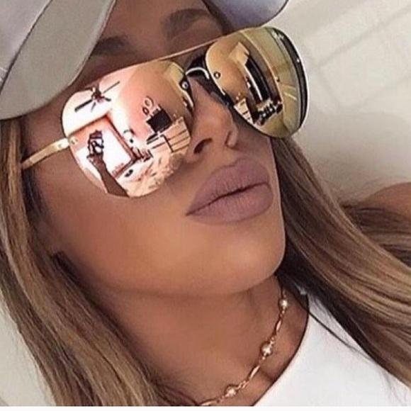 96dffd73d Quay muse rose Gold mirrored aviator sunglasses. M_5b21cfcb04e33dfe2078048e